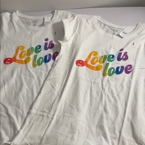 PRIDE 🌈 Love is Love 🌈 T Shirts NWT Size Small